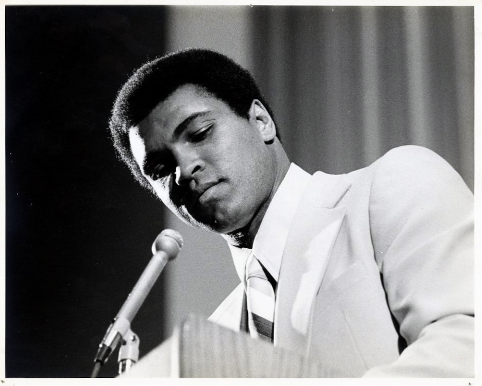 muhammad ali s speech Muhammad ali's speech slowed by a quarter from his early thirties as boxing took  its toll many years before he received a diagnosis of.